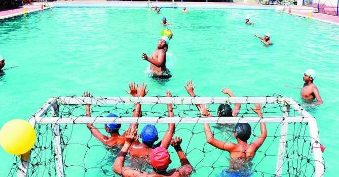 WATER POLO GAME In Hindi
